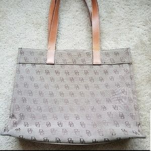 Authentic Dooney and Bourke Tote handbag